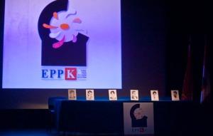 Acto de presentación de las conclusiones del debate interno de EPPK. En la imagen, una de las secuencias del video que se ha proyectado durante el acto.